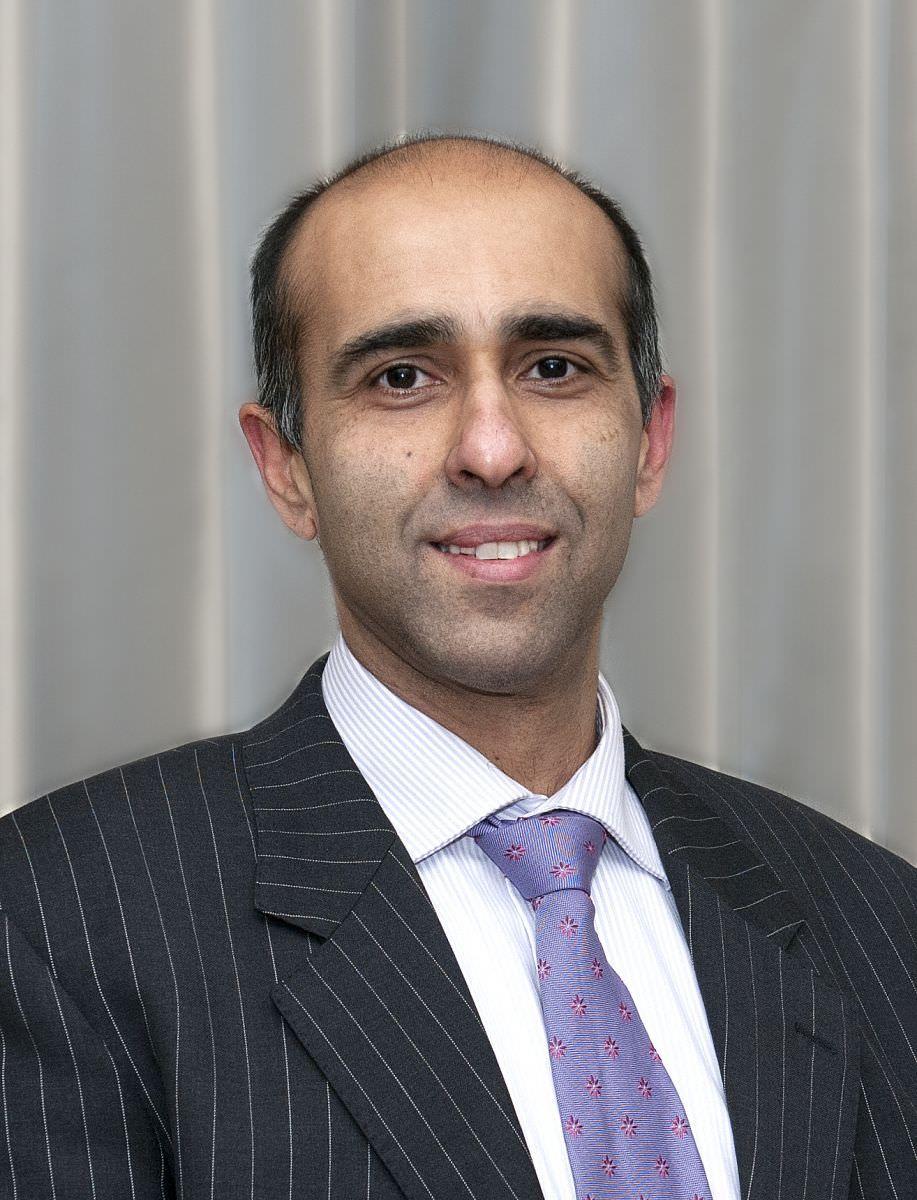 Dr Deepak Suri