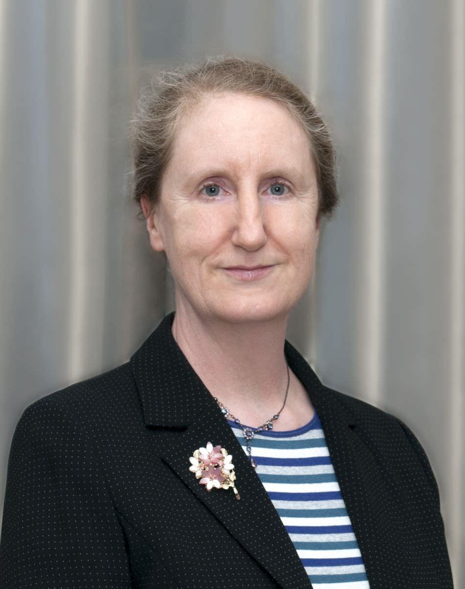 Dr Maria Barnard